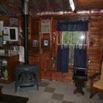 Charming 3 Season Cottage – 28 Rainbow Cottage Lane